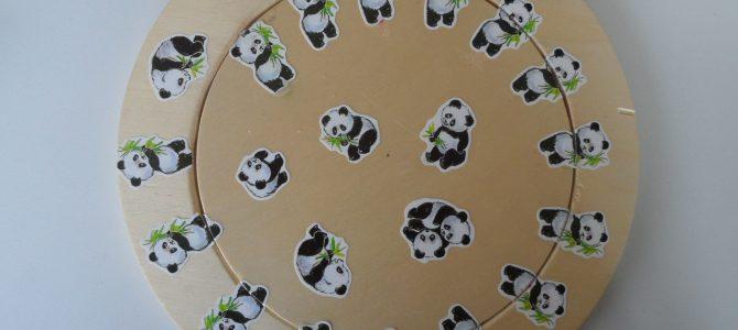 """""""Einer weniger und dafür alle etwas länger"""" oder """"Einer mehr und dafür alle etwas kürzer""""   – Wo ist der 22. Panda?"""