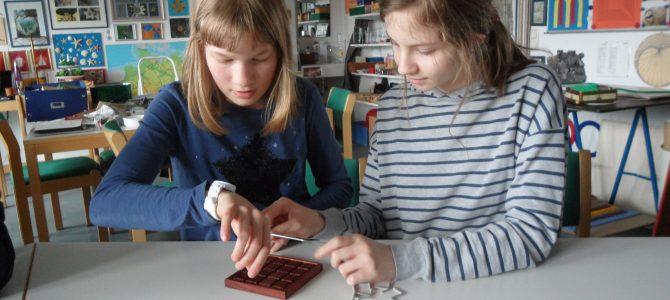 """""""Manhatten-Metrik"""" – Knobelei für zwei erfolgreiche Mädchen"""