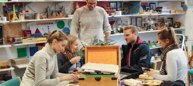 Besuch zukünftiger Mathematiklehrer in der Mathothek